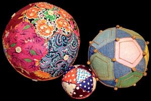 Монахини ходили и по деревням, разносили мячики в корзинках